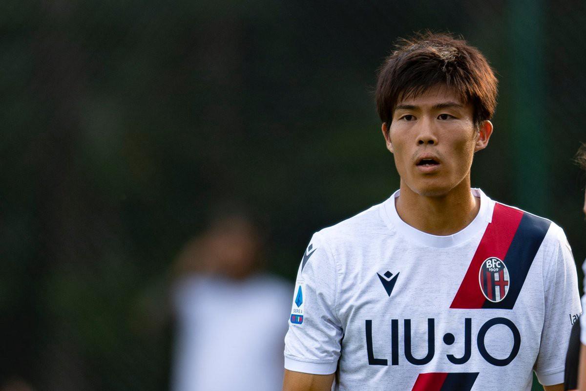 Sering Kontak Sang Agen, AC Milan Semakin Dekat Untuk Mendatangkan Bek dari Jepang